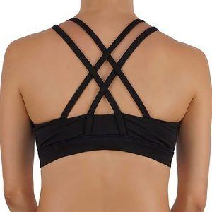 Criss cross back Detail sport bra black